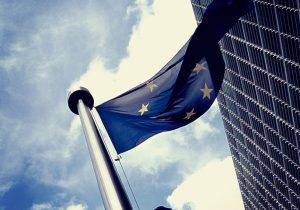 European_flag_outside_the_Commission